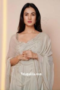 Sonal Chauhan HD