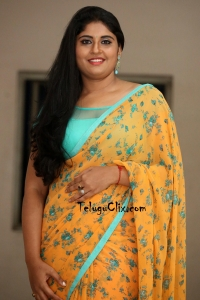 Sonia Chowdary in Saree Latest HD Photos