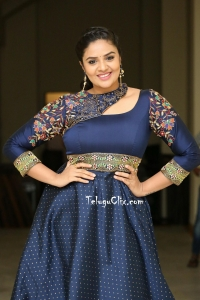 Sreemukhi HQ Photos