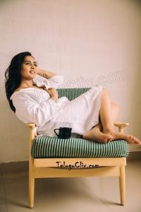 Srushti Dange HD Pics