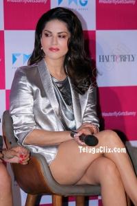 Sunny Leone Ultra HD