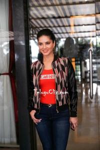 Sunny Leone New HD Photos