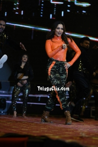 Tamannaah Dance at Sarileru Neekevvaru Pre Release