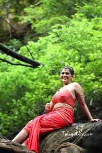 Varalaxmi Sarathkumar HD Naga Kanya