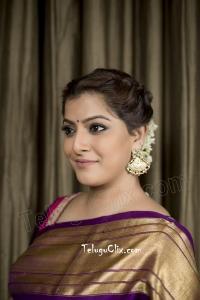 Varalaxmi Sarathkumar in Pattu Saree HD Photos